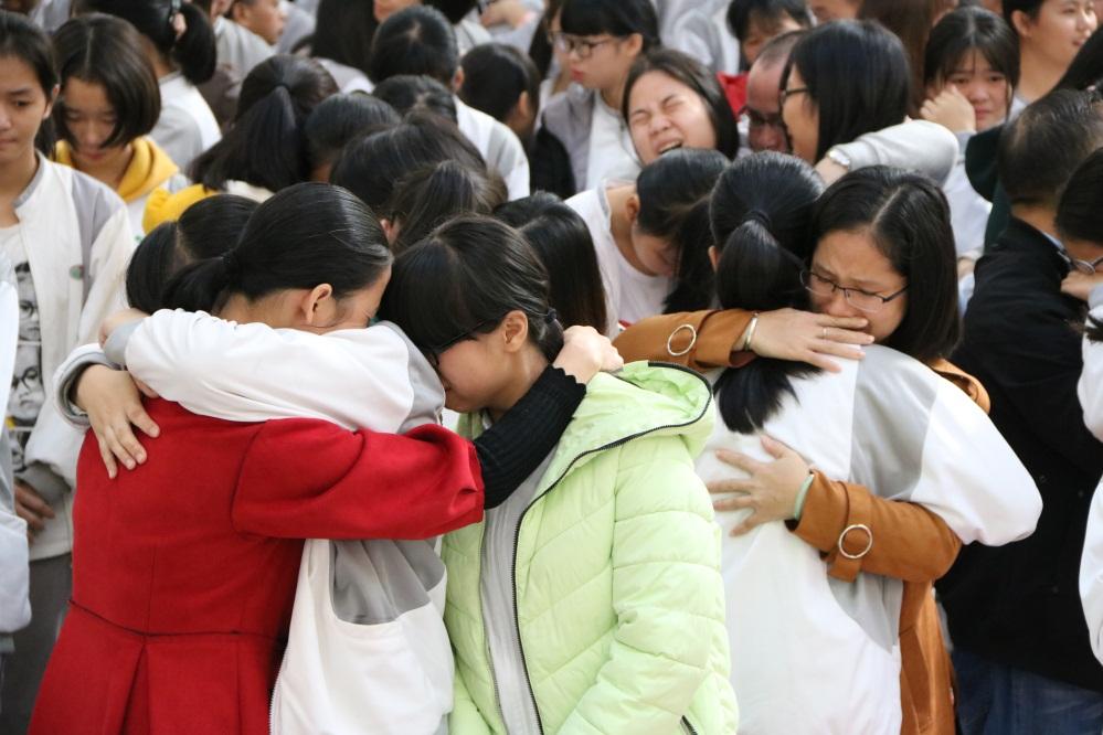 一场感恩演讲 千人感动落泪